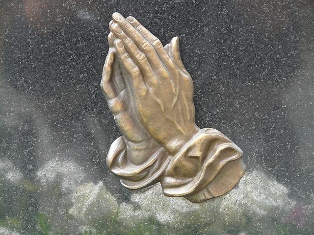 pray-56059_640